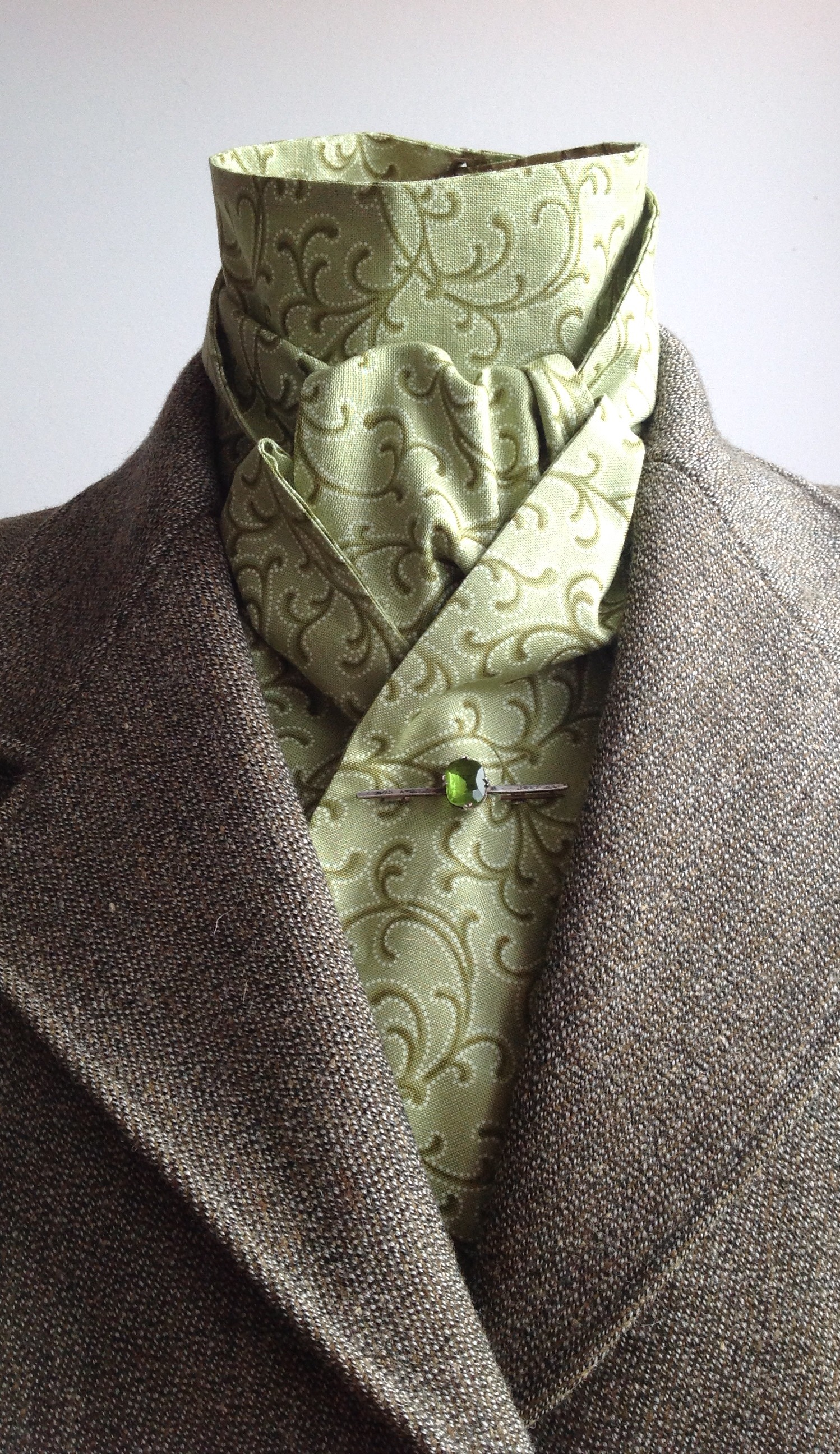 Shaped to tie 100% cotton stock - Aero mint green print