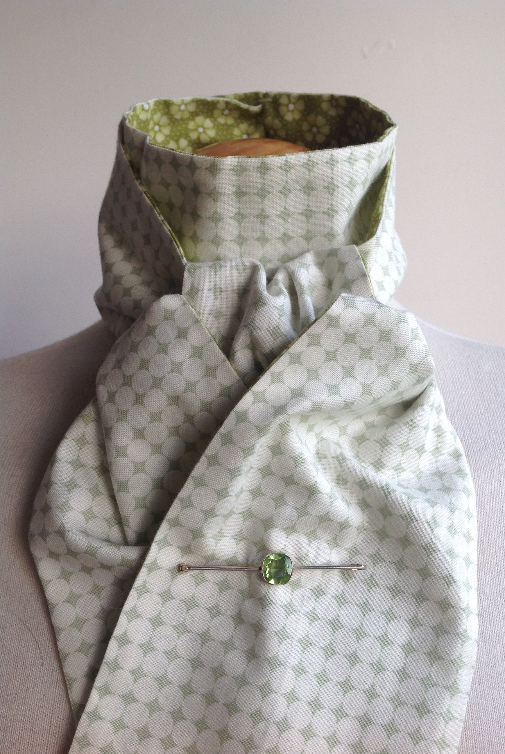 Shaped to tie 100% cotton reversible stock - green floral and polka dots