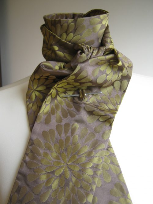Shaped to tie 100% silk stock - Hana old gold floral jacquard