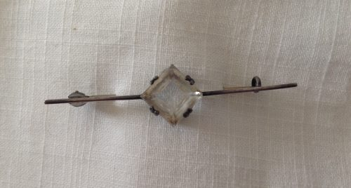 Vintage 925 silver stock pin with a diamond shaped faceted clear crystal