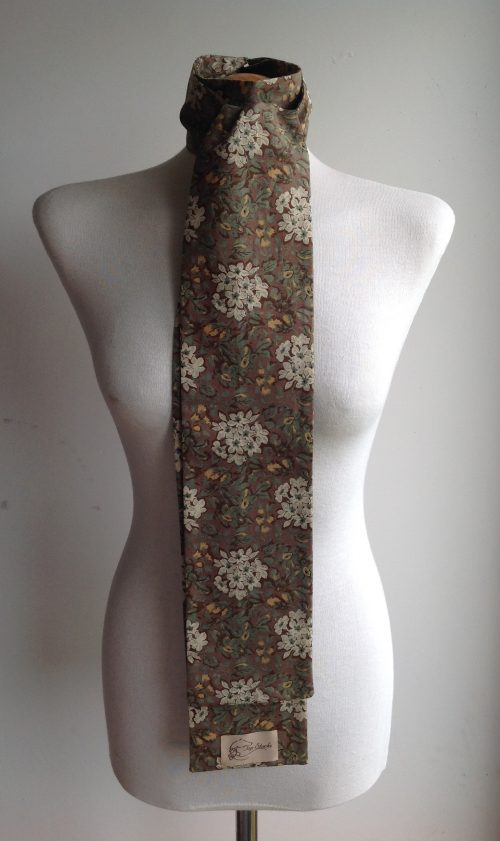 Shaped roc tie 100% cotton stock - Camouflage Floral