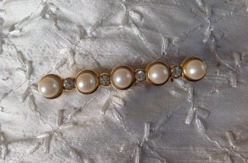Vintage goldtone, 5 faux pearls and diamante stock pin