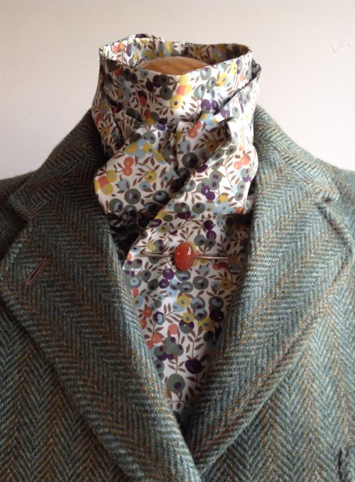 Shaped to tie Liberty tana lawn cotton - Wiltshire autumn