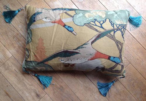"""Cushion cover - 16"""" x 24"""" Mulberry Ducks with marine green tassles"""