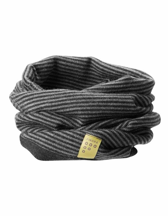 Findra Betty neckwarmer in charcoal/slate grey