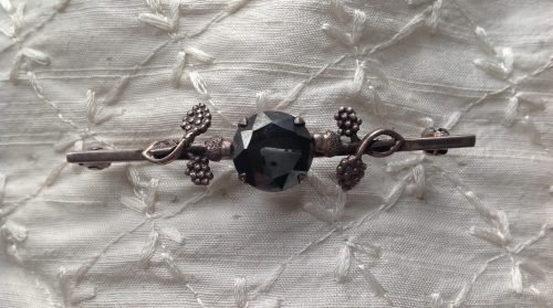 Vintage Art Nouveau silver and hematite stock pin