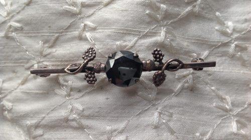 Vintage Art Nouveau silver and hematite stock pin