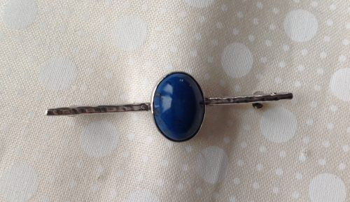Edwardian unmarked silver and blue agate stock pin