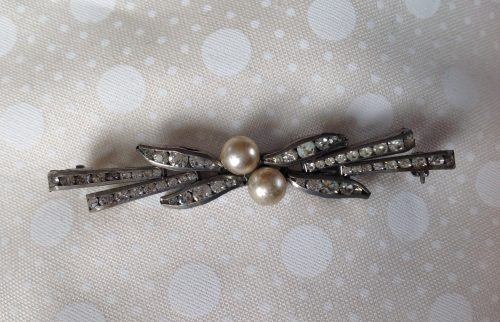 Vintage Art Deco and faux pearl stock pin