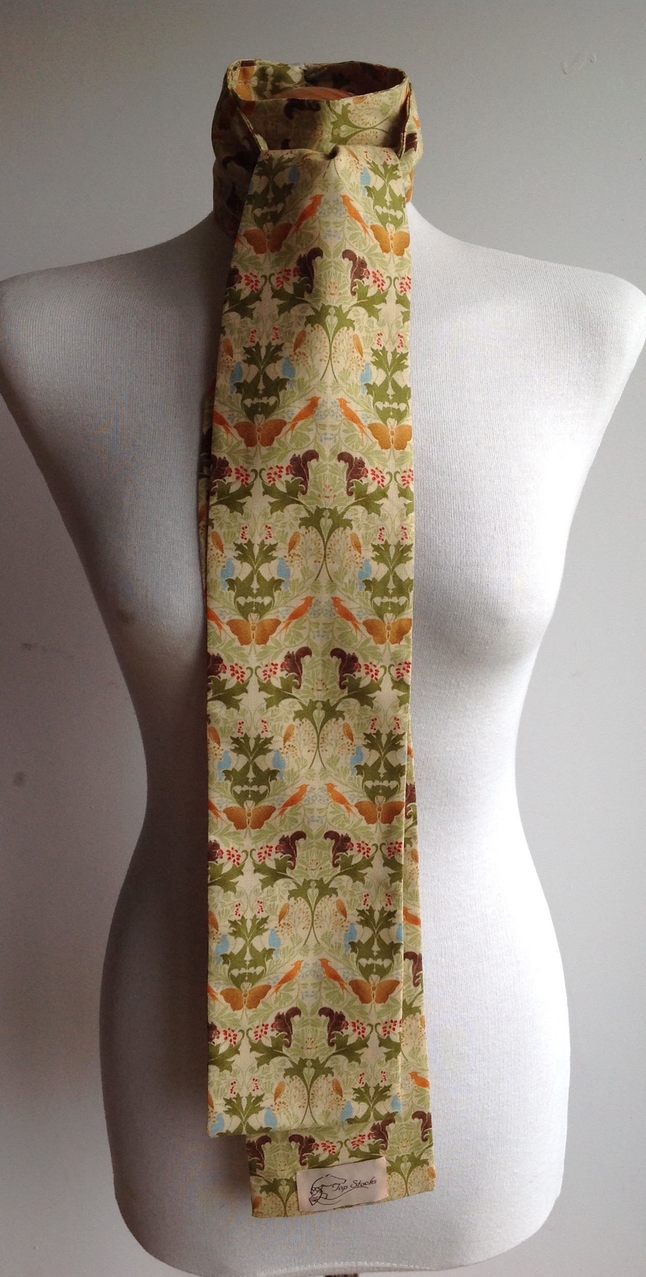 Shaped to tie 100% cotton stock - Arts & Crafts Flora and Fauna