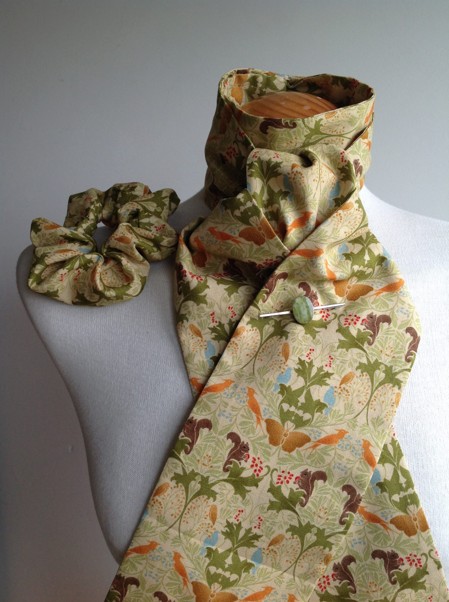 Shaped to tie 100% cotton stock and scrunchie - Arts &a Crafts Flora and Fauna