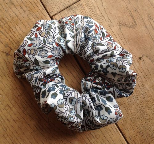 Liberty tana lawn scrunchie - Kensington Park grey multi